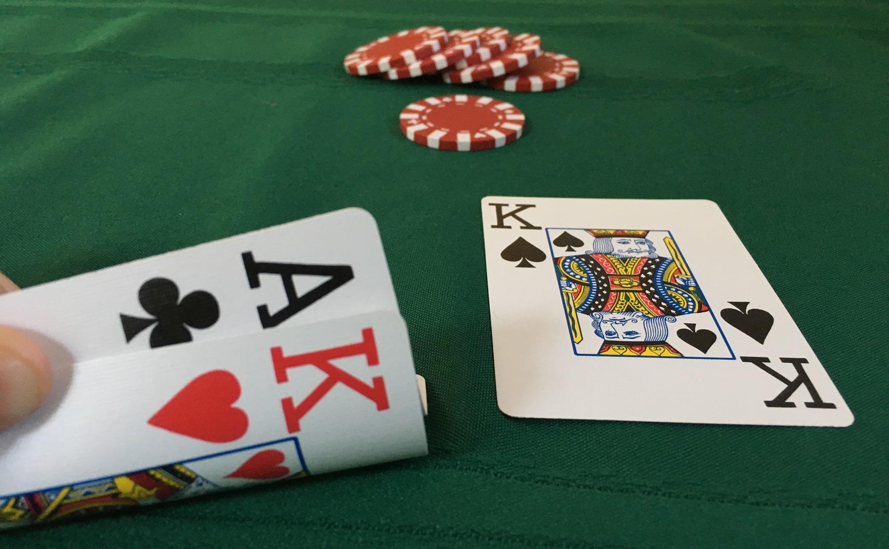 Mengenal Permainan Judi Poker Online yang Tengah Naik Daun