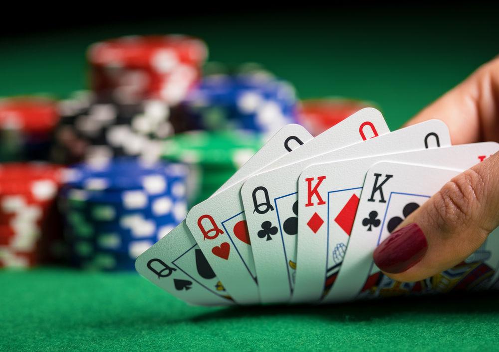 Aplikasi poker online cocok untuk smartphone spesifikasi rendah